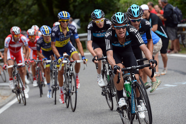 Uran is leading the chase for Sky, and he has Henao and Froome waiting behind him...