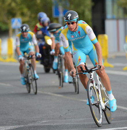 Astana look to be in trouble here, unless Andre Kashechkin has suddenly attacked..?
