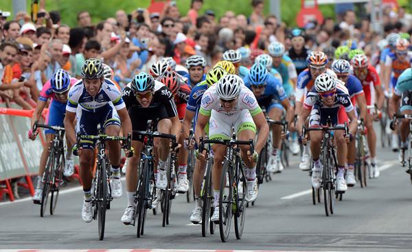 It's a three-way sprint between Allan Davis, Ben Swift and John Degenkolb...