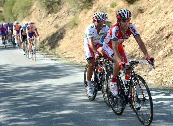 Danny Moreno is towing Rodriguez across now, they'll catch Contador and nullify the dangerous move...