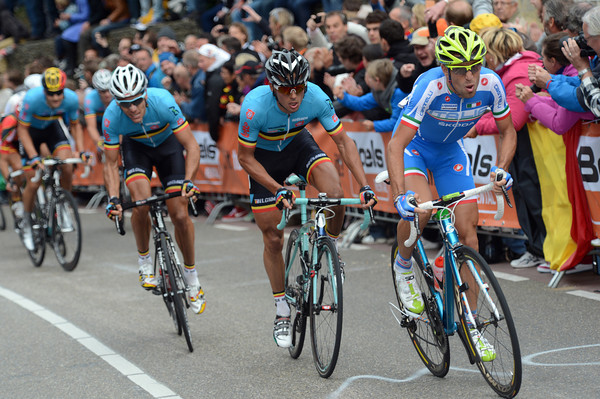 Nibali launches an attack on the last Cauberg climb - but he's marked by two Belgians...