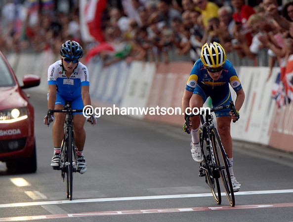 Johansson easily beats Ratto for the silver-medal, albeit fifteen-seconds behind Vos...