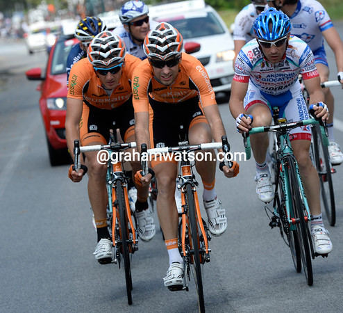 Seven men are away from the start, and both Euskatel and FDJ have two riders in the escape...