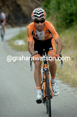 Minguez is alone in front on the first big climb of the day, but not by much...