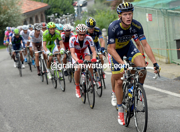 Matti Breschel is now Saxo's workhorse - Voeckler is almost three minutes ahead and suddenly looking dangerous...