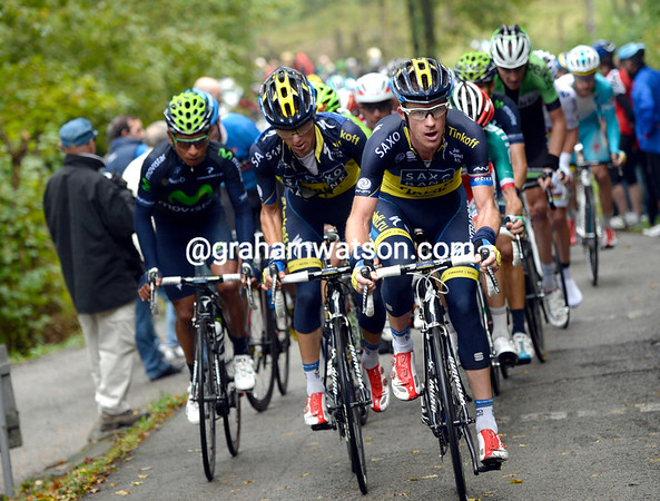 Michael Rogers leads the race on to the Colma di Sormano, there are no more escapers...