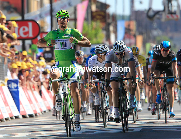 Peter Sagan easily wins stage seven into Albi to really cement his lead in the Points competition..!
