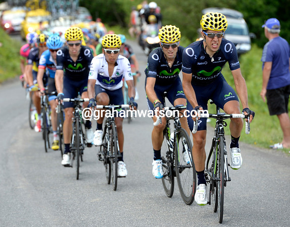 Jonathan Castroviejo leads the Movistar train towards the summit, it is hard but effective work..!