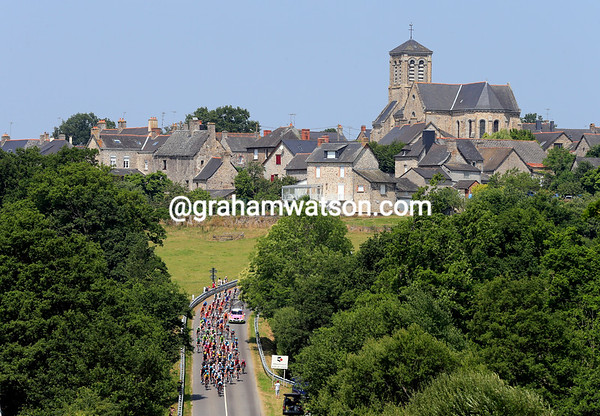 Plain and simple countryside is the menu for today's peloton as it heads south to Tours...