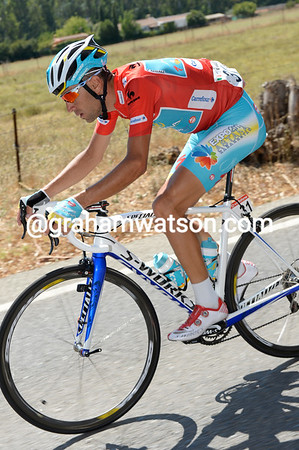 Vincenzo Nibali comes back after a mechanical problem, but he's looking a tiny bit strained today...