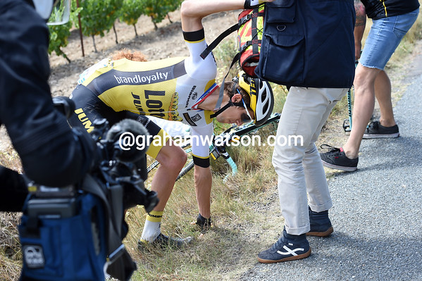 George Bennett has also been caught in the crash, but he's okay to continue...