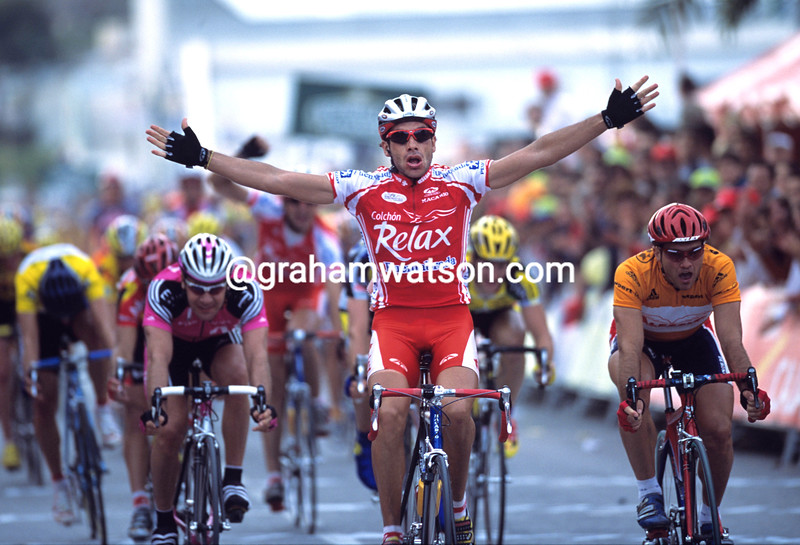Martin Garrido wins a stage of the 2001 Tour of Murcia