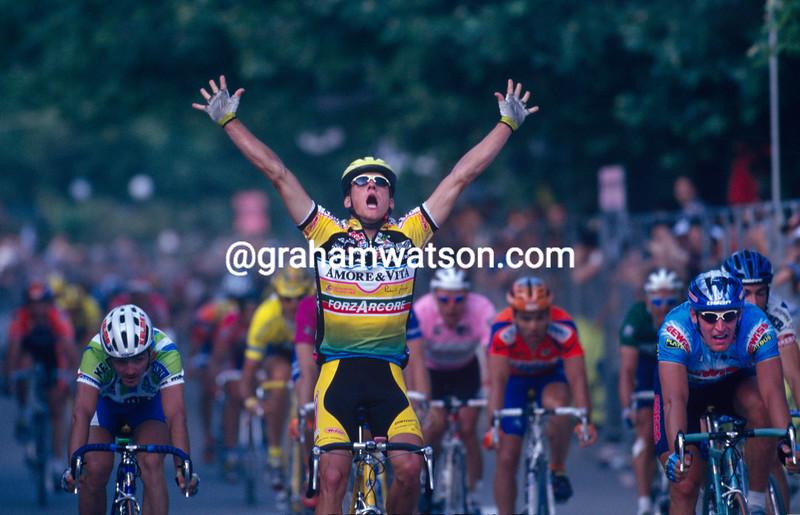 Glenn Magnusson wins a stage of the 1996 Giro d'Italia