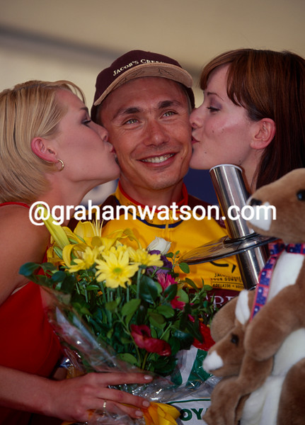 Gilles Maignan celebrates winning the 2000 Tour Down Under
