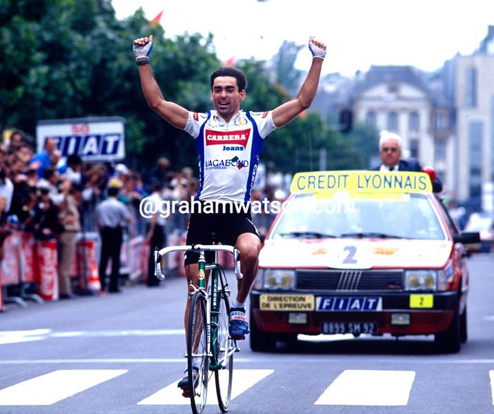 Acacio DaSilva wins a stage of the 1987 Tour de France