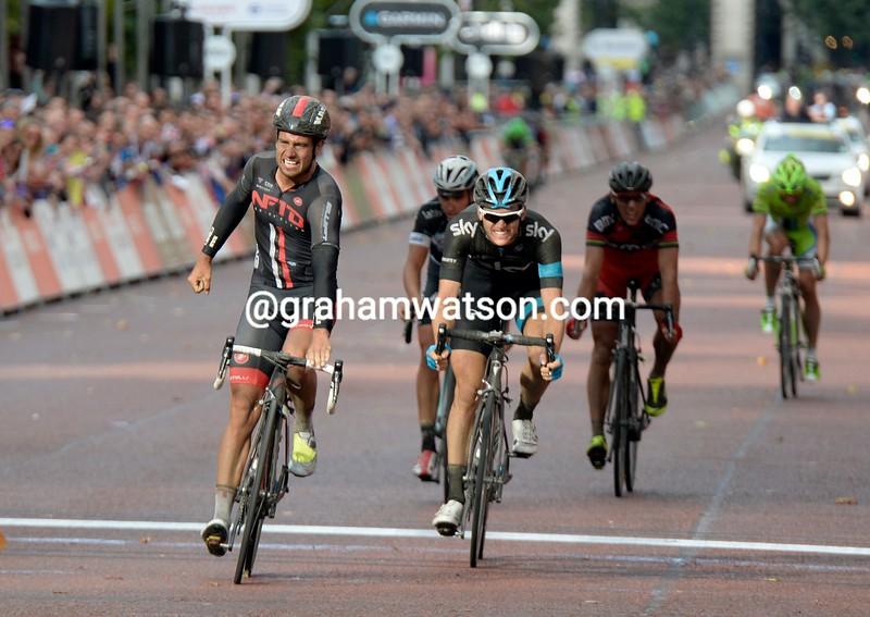 Adam Blythe wins the 2014 London-Surrey Classic