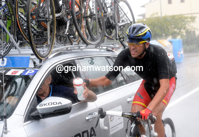 Alberto Contador is the 'star water-carrier for the Spanish team today...
