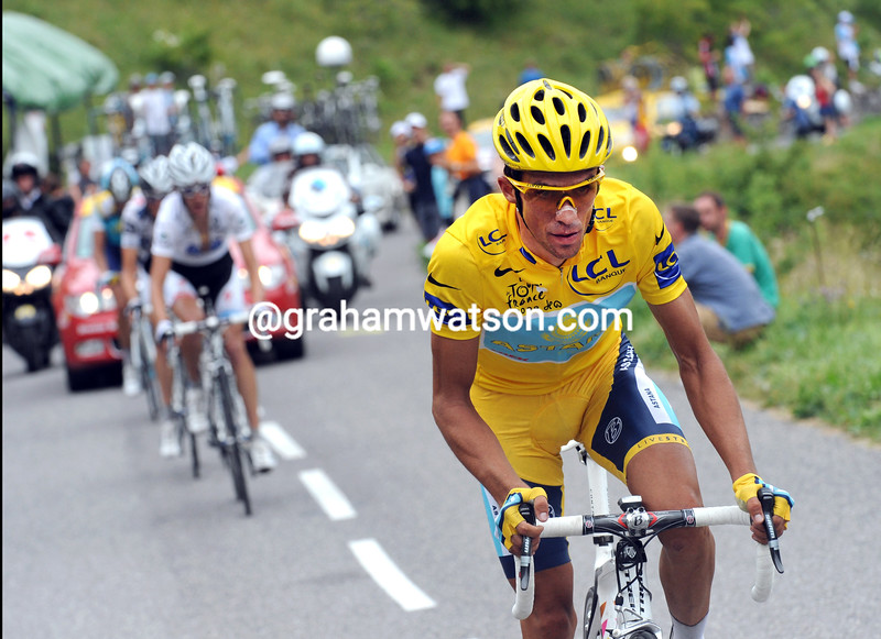 ALBERTO CONTADOR attacks ON STAGE SEVENTEEN OF THE 2009 TOUR DE FRANCE