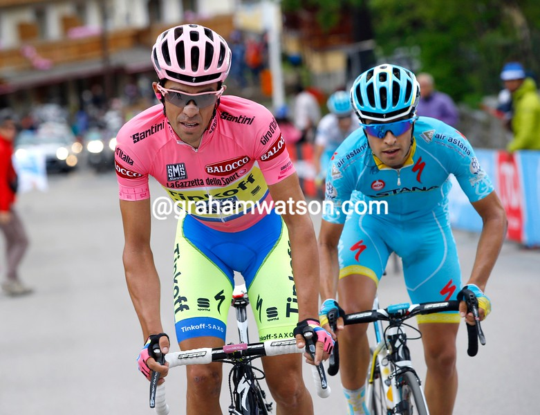 Alberto Contador leads Mikel Landa on stage fifteen of the 2015 Tour of Italy