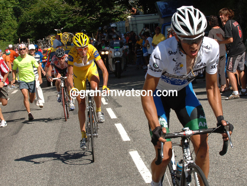 ALBERTO CONTADOR ATTACKS RASMUSSEN ON STAGE SIXTEEN OF THE 2007 TOUR DE FRANCE