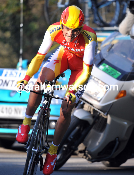 ALBERTO CONTADOR IN THE PROLOGUE OF THE 2009 PARIS-NICE