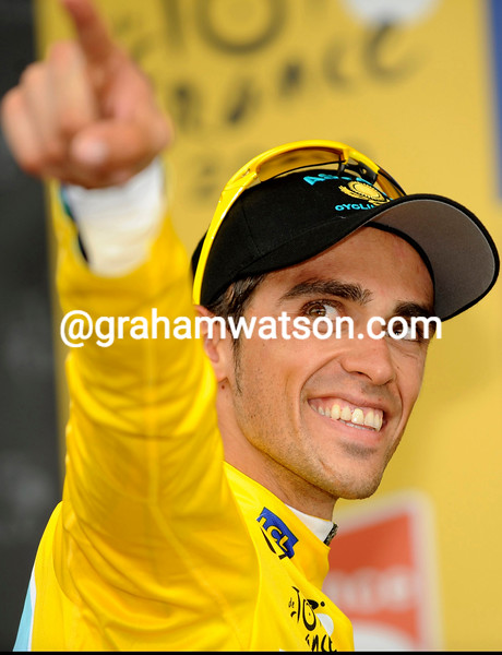 ALBERTO CONTADOR ON STAGE SEVENTEEN OF THE 2009 TOUR DE FRANCE