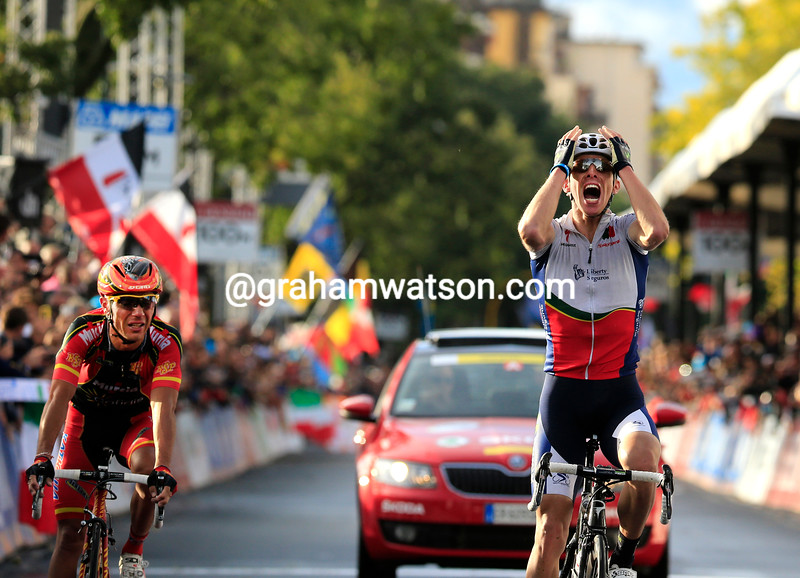 Alberto Rui Costa is the new World Champion after beating Joaquin Rodriguez..!