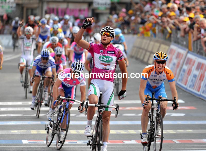 ALESSANDRO PETACCHI WINS STAGE THREE OF THE 2009 GIRO D'ITALIA