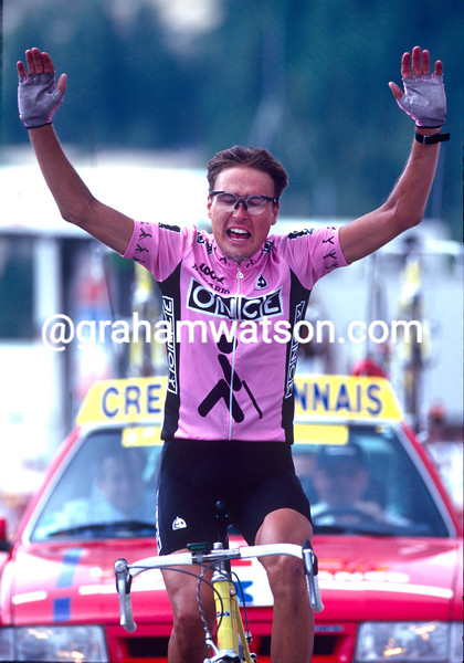Alex Zulle wins a stage in the 1995 Tour de France