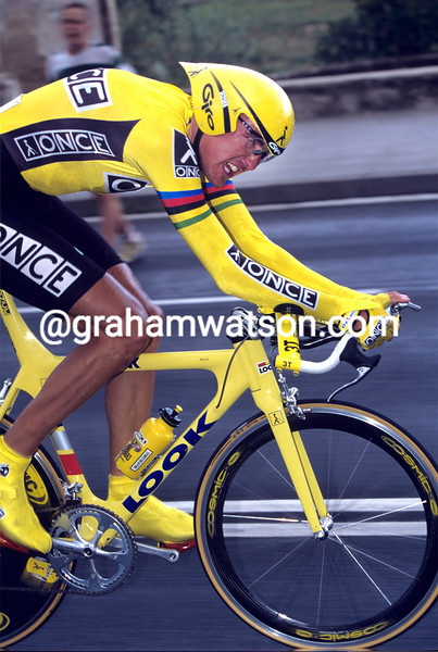Alex Zulle on a stage of the 1997 Tour of Spain