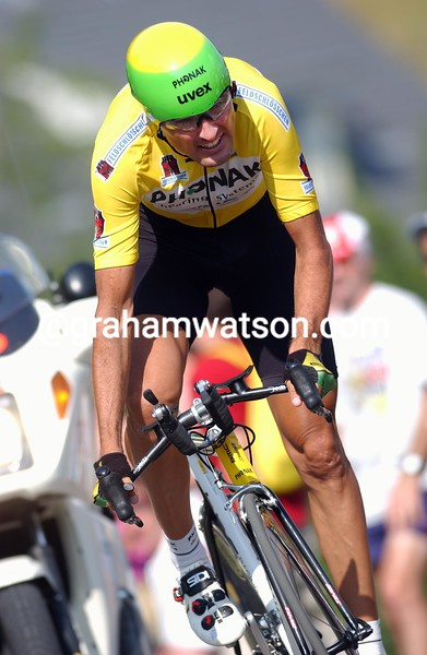 Alex Zulle in the prologue stage of the 2003 Tour de Suisse