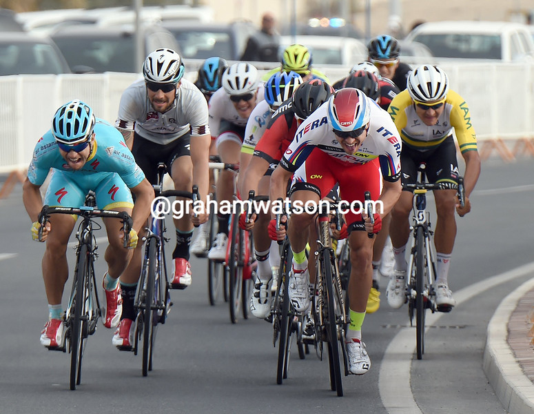 Alexander Kristoff wins stage two of the 2015 Tour of Qatar