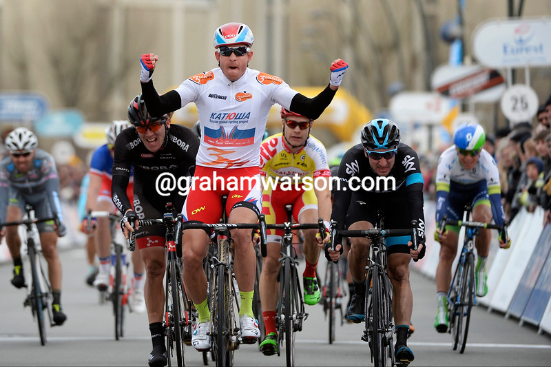 Alexander Kristoff wins stage two of the 2015 3-Days of De Panne