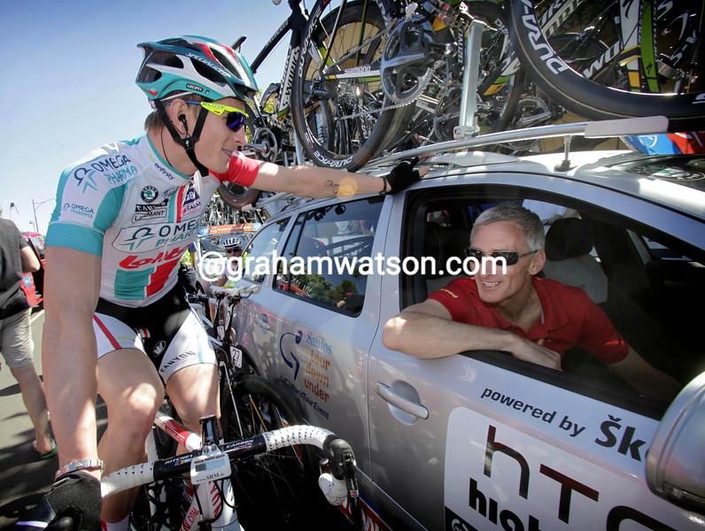 Allan Peiper with Andre Greipel in the 2011 Tour Down Under