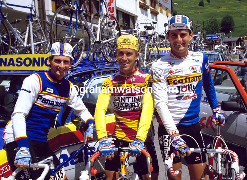 ALLAN PEIPER WITH NEIL STEPHENS AND MICHAEL WILSON IN THE 1986 GIRO D'ITALIA