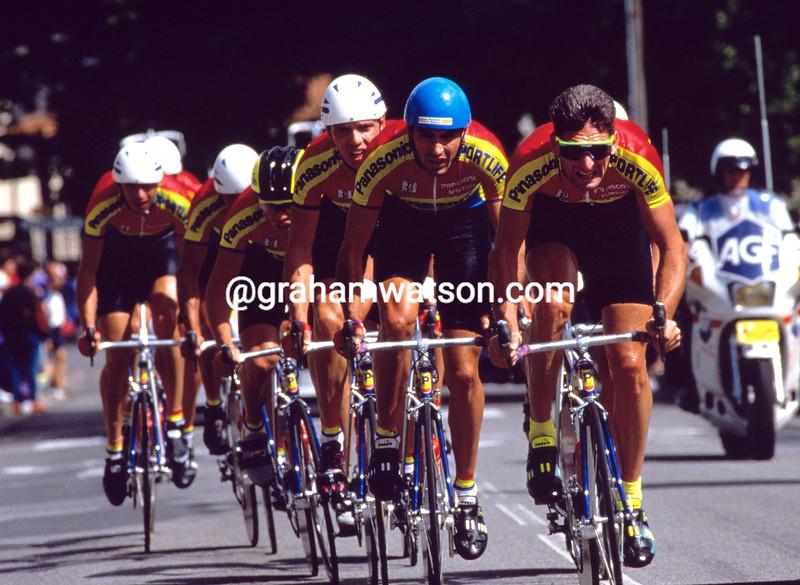 Allan Peiper and the Panasonic team in the 1990 Tour de France