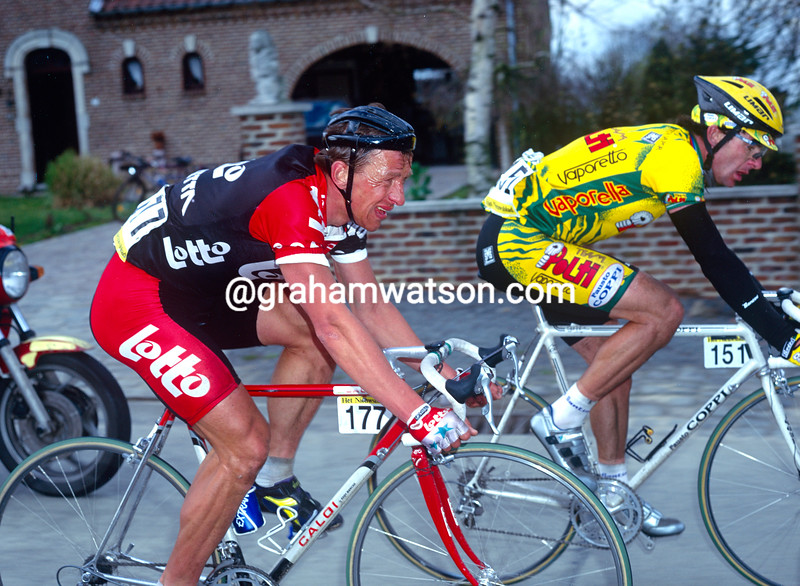 Andre Tchmil and Gianni Bugno in the 1994 Tour of Flanders