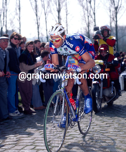 Andrea Tafi in the 1998 Tour of Flanders