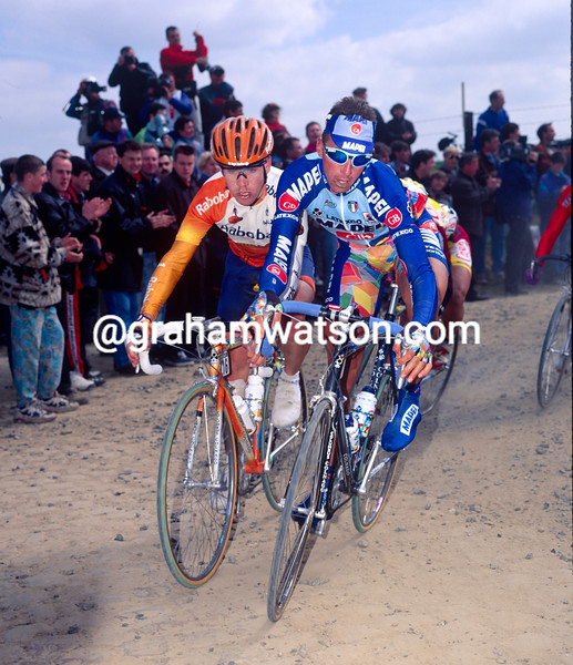 Andrea Tafi and Leon Van Bon in the 1998 Paris-Roubaix