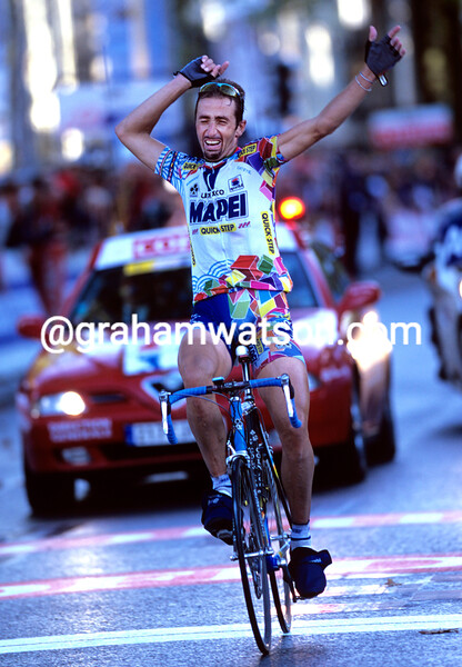 Andrea Tafi wins Paris-Tours