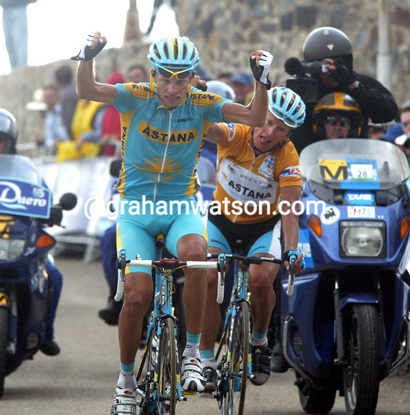 ANDREY KASHECHKIN WINS A STAGE OF THE 2006 TOUR OF SPAIN FROM ALEXANDRE VINOKOUROV