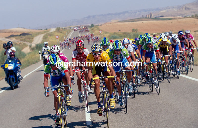 Angel Casero leads an escape in a stage in the 2000 Tour of Spain
