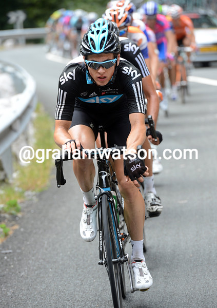 Ben Swift chases on stage seventeen of the 2012 Vuelta EspaÒa