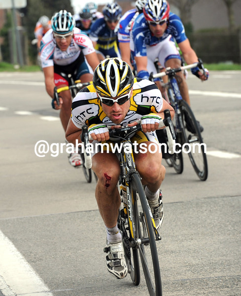 BERNHARD EISEL ESCAPES IN THE 2010 TOUR OF FLANDERS