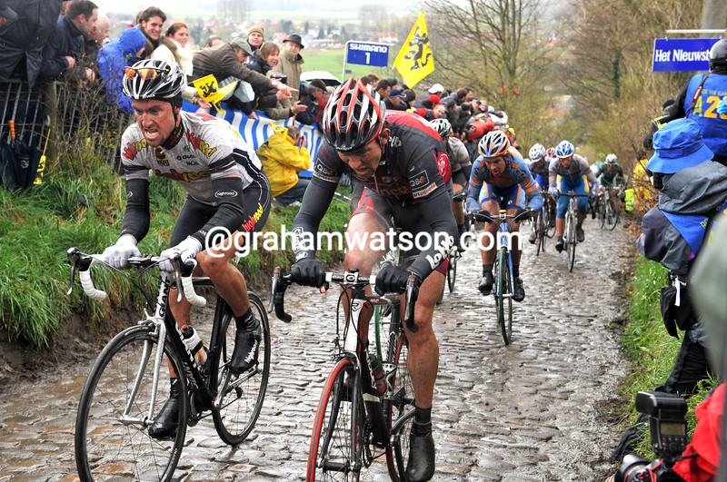 BERNHARD EISEL ON THE KOPPENBERG IN THE 2008 TOUR OF FLANDERS