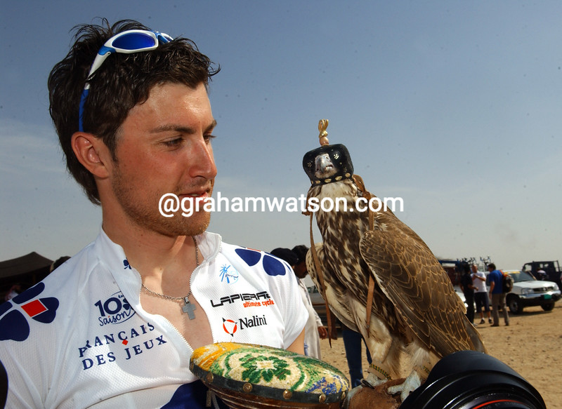 Austria's Bernhard Eisel is feeling lucky today - and he's made a new friend with a Falcon...
