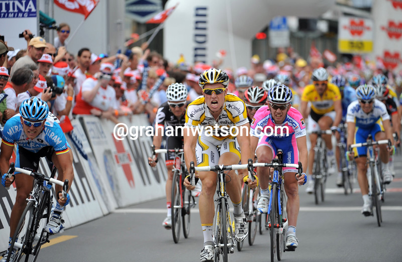 BERNHARD EISEL WINS STAGE TWO OF THE 2009 TOUR OF SWITZERLAND