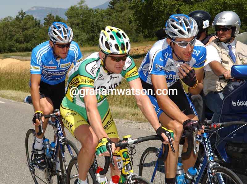 George Hincapie with Floyd Landis on a stage of the 2005 Dauphiné-Liberé