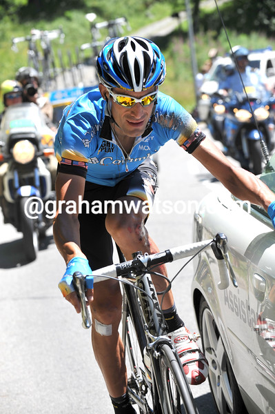 GEORGE HINCAPIE RECIEVES TREATMENT AFTER A CRASH ON STAGE SEVENTEEN OF THE 2008 TOUR DE FRANCE
