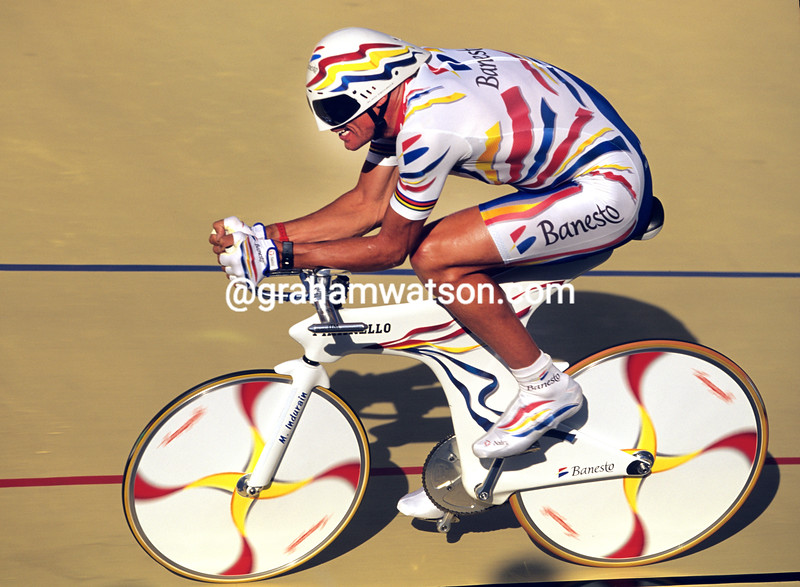 MIGUEL INDURAIN IN THE 1995 WORLD HOUR RECORD ATTEMPT IN COLOMBIA